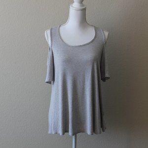 BOBEAU Gray Shoulder Cut Out Shirt